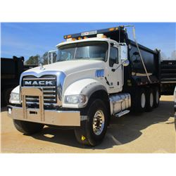 2016 MACK CU713 DUMP, VIN/SN:1M2AX09C5GM027352 - TRI AXLE, 415 HP MACK MPH415C DIESEL ENGINE, ALLISO