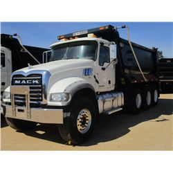 2016 MACK CU713 DUMP, VIN/SN:1M2AX09C3GM027351 - TRI AXLE, 415 HP MACK MPH415C DIESEL ENGINE, ALLISO