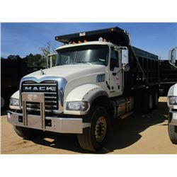 2015 MACK GU713 DUMP, VIN/SN:1M2AXO9C7FM021258 - T/A 425 HP MACK MP8 ENGINE, ALLISON A/T, 44K RERARS