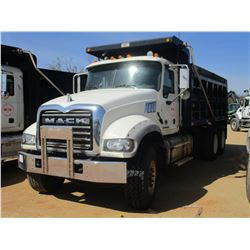 2015 MACK GU713 DUMP, VIN/SN:1M2AX09C4FM021279 - T/A, 425 HP MACK MP8 ENGINE, ALLISON A/T, 44K REARS