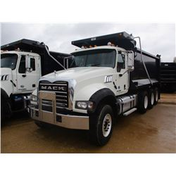 2015 MACK GU713 DUMP, VIN/SN:1M2AX09C9FM021259 - TRI-AXLE, 425 HP MACK MP8 ENGINE, ALLISON A/T, 44K