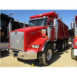 2014 KENWORTH T800 DUMP, VIN/SN:1NKDGGGG20J425303 - GLIDER KIT, TRI-AXLE, 475 HP CAT C15 ENGINE, 8LL