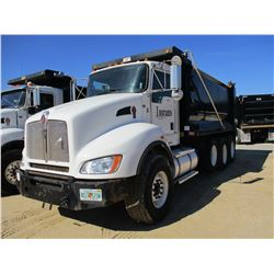 2013 Kenworth T440 DUMP, VIN/SN:1NKBL50X7DJ334117 - TRI-AXLE, 370 HP CUMMINS ISL9 ENGINE, ALLISON 45
