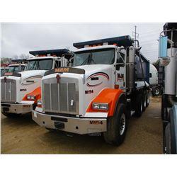 2007 KENWORTH T800 DUMP, VIN/SN:1NKDXUEX17J175001 - TRI-AXLE, 470 HP CAT C13 ENGINE, 8LL TRANS, 46K