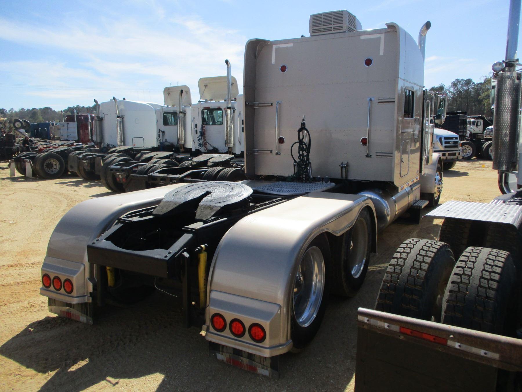 2006 PETERBILT 379 TRUCK TRACTOR, VIN/SN:1XP5D49X16D630207 - T/A, 450HP  CUMMINS ISX ENGINE, 18 SPEED