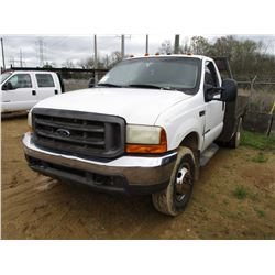 2000 FORD F350 FLATBED. VIN/SN:1FDWF37F5YEE55621 - S/A, 4X4, FORD DIESEL ENGINE, 5 SPEED TRANS, 10'