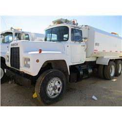 1987 MACK R686ST WATER TRUCK, VIN/SN:1M2N179Y7HA006805 - MACK DIESEL ENGINE, 6 SPEED TRANS, 44K REAR