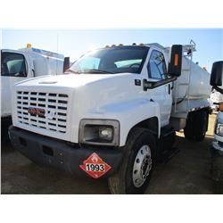 2007 GMC C7500 FUEL TRUCK, VIN/SN:1GDM7C1397F406840 - GM DIESEL ENGINE, 6 SPEED TRANS, GVWR 33,000#,