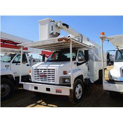 2006 GMC C7500 BUCKET TRUCK, VIN/SN:1GDM7C1C36F428699 - CAT C7 DIESEL ENGINE, 6 SPEED TRANS, 21K REA
