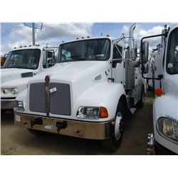 2007 KENWORTH T300 SERVICE TRUCK, VIN/SN:165137 - S/A, C7 250 CAT DIESEL ENGINE, A/T, GVWR 26,500#,