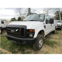 2008 FORD F250 SERVICE TRUCK, VIN/SN:1FDSX21508E063208 - 4X4, EXT CAB, V8 GAS ENGINE, A/T, READING T