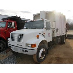 2000 INTERNATIONAL 4700 GARBAGE TRUCK, VIN/SN:1HTSCABN8YH313330 - S/A, IHC DIESEL ENGINE, A/T, PAKMO