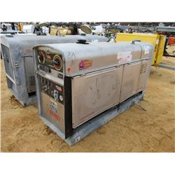 LINCOLN ELECTRIC SAE-400 WELDER GENERATOR S/N C1081000021, METER READING 560 HOURS