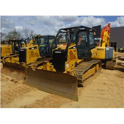 2011 CAT D3K LGP CRAWLER TRACTOR, VIN/SN:LLL01061 - 6 WAY BLADE, SYSTEM 1 U/C, ECAB W/AIR, SWEEPS, M
