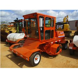 2001 BROCE RJ350 BROOM, VIN/SN:401369 - 8' BROOM, DIESEL ENGINE, ECAB W/AIR, METER READING 5,398 HOU