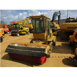 CHALLENGER II BROOM, VIN/SN:K2068 - 8' BROOM, ECAB, METER READING 542 HOURS