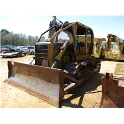 CAT D6B CRAWLER TRACTOR, VIN/SN:44A9418 - STRAIGHT BLADE, CANOPY (DOES NOT OPERATE)