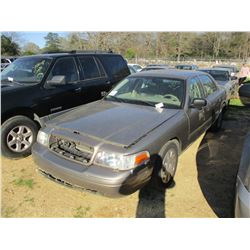 2010 FORD CROWN VICTORIA, VIN/SN:2FABP7BV4AX116638 - V8 GAS ENGINE, A/T, ODOMETER READING 176,295 MI
