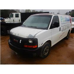 2004 GMC SAVANNA VAN, VIN/SN:1GTFG15X241133991 - V8 GAS ENGINE, A/T, ODOMETER READING 282,950 MILES