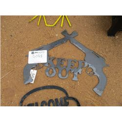 """METAL """"KEEP OUT"""" SIGN"""