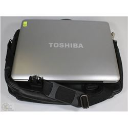 TOSHIBA LAPTOP CASE INCLUDED