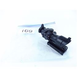 Trijicon ACOG red dot sight