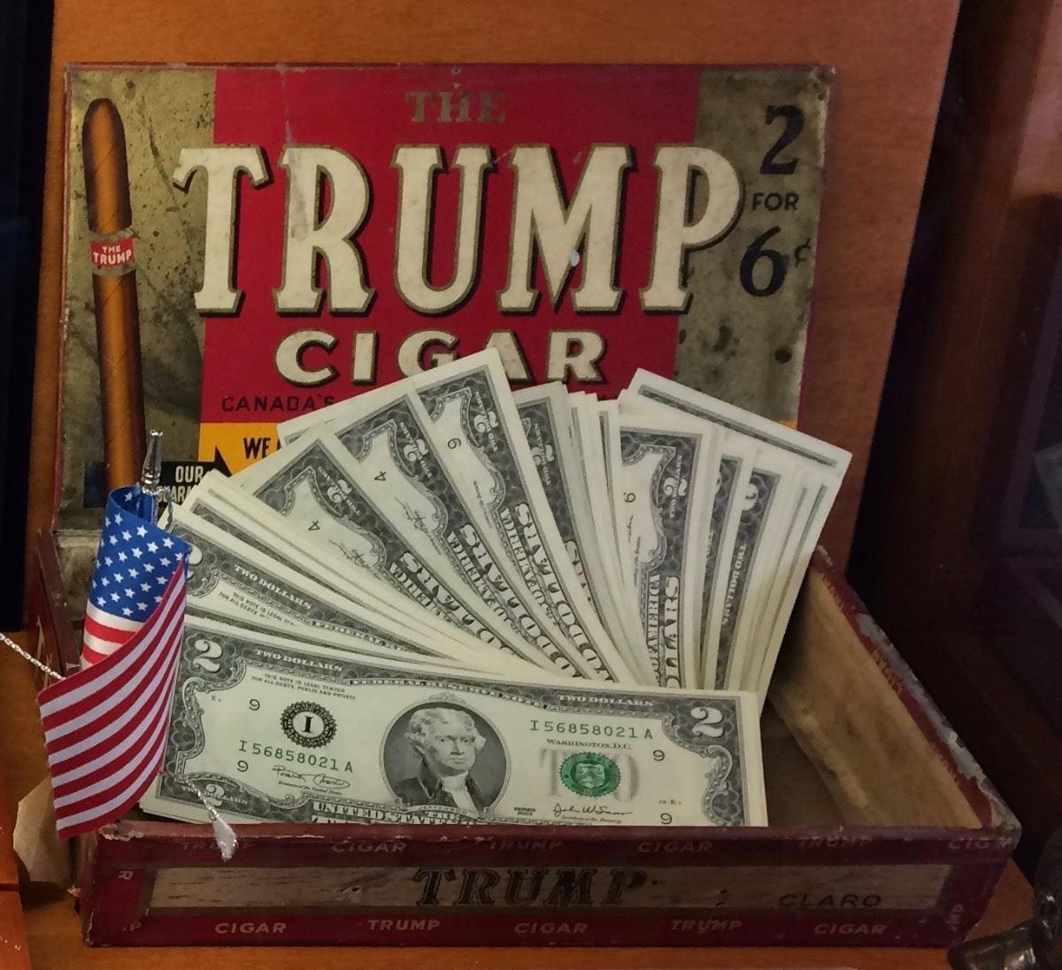 Vintage Wooden Trump Cigar Box With 25 X American 2 Banknote