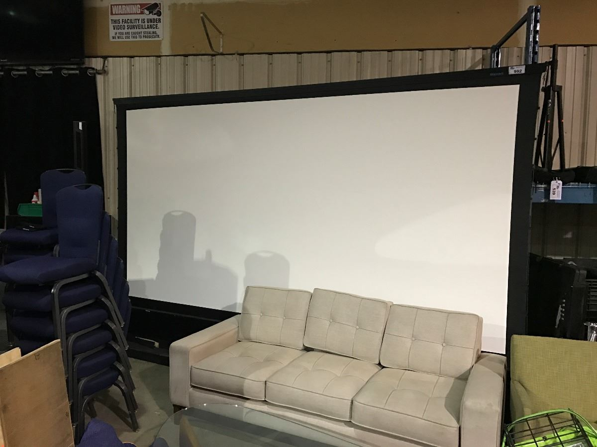 Superbe Live Auction World