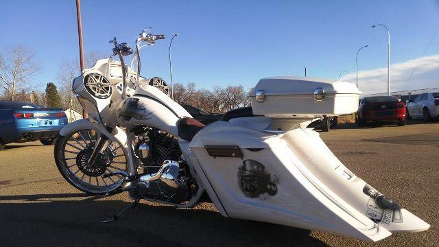 Harley Davidson Red Deer >> 2016 HARLEY DAVIDSON ROAD GLIDE CUSTOM BAGGER
