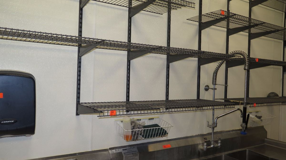 Approx 10 Closet Maid Wall Mounted Wire Shelving 16