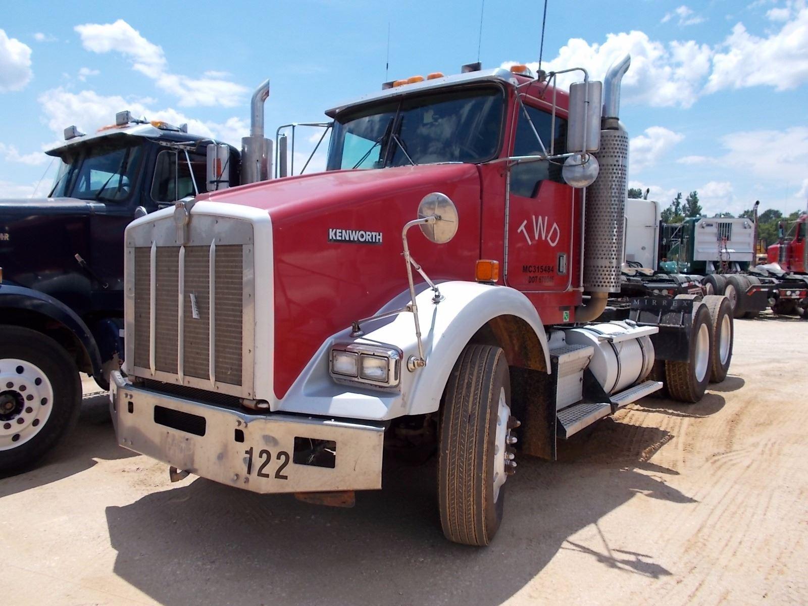 1999 KENWORTH T800 TRUCK TRACTOR, VIN/SN:1XKDDB9X3XJ797273 - 475HP CAT  3406B DIESEL ENGINE, 10 SPD T