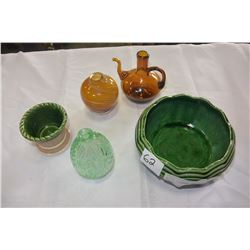 MCCOY PLANTER AND OTHER ART GLASS