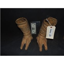 ZZ-CLEARANCE ET THE EXTRA TERRESTRIAL PUPPET FEET FROM ORIGINAL PRODUCTION ONLY PAIR KNOWN TO EXIST