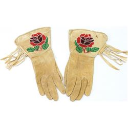 Very nice vintage small ladies beaded gauntlets with fringe, cloth lined, in flower motif, all beads