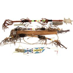 Collection of 5 contemporary beaded items includes small childs bow arrow and quiver hand painted on