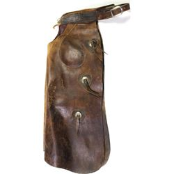 HH Heiser batwing chaps with inside pockets, 3 conchos down each leg, marked on belt, tongue end sho