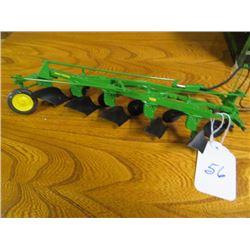 John Deere 5 furrow 3pth plow, Precision 1/16 scale