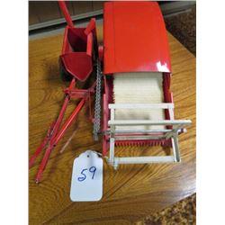 Tru Scale pull type combine (Red colour) 1/16 scale