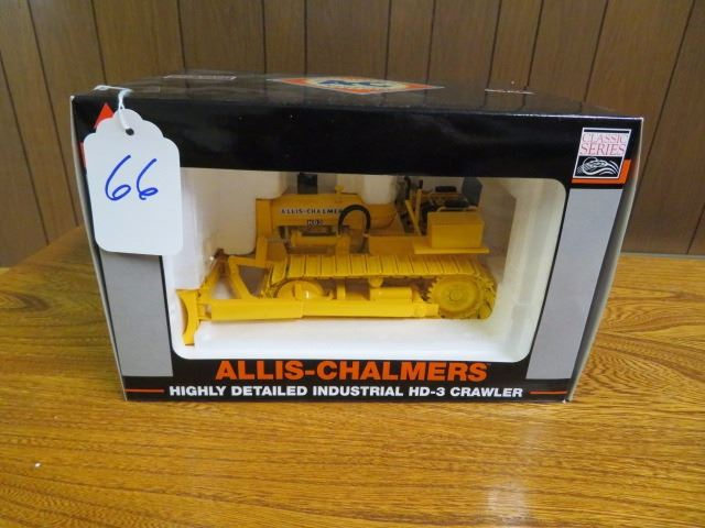 Allis Chalmers HD3 with Hyd  dozer blade w/ metal tracks 1/16 scale