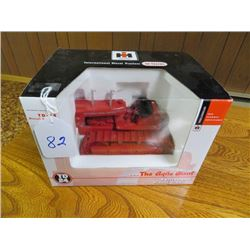 International TD24 Agricultural crawler (Red colour) 1/32 scale