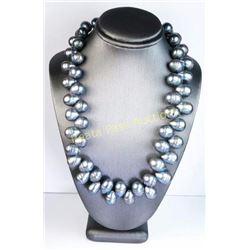 Elegant Ladies Baroque Style Black Pearl