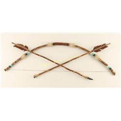 Small Bow with 2 Arrows