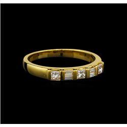 18KT Yellow Gold 0.40 ctw Diamond Ring