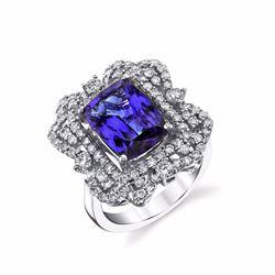 8 Carat Tanzanite & Diamond Ring, Set in 18 Karat Gold
