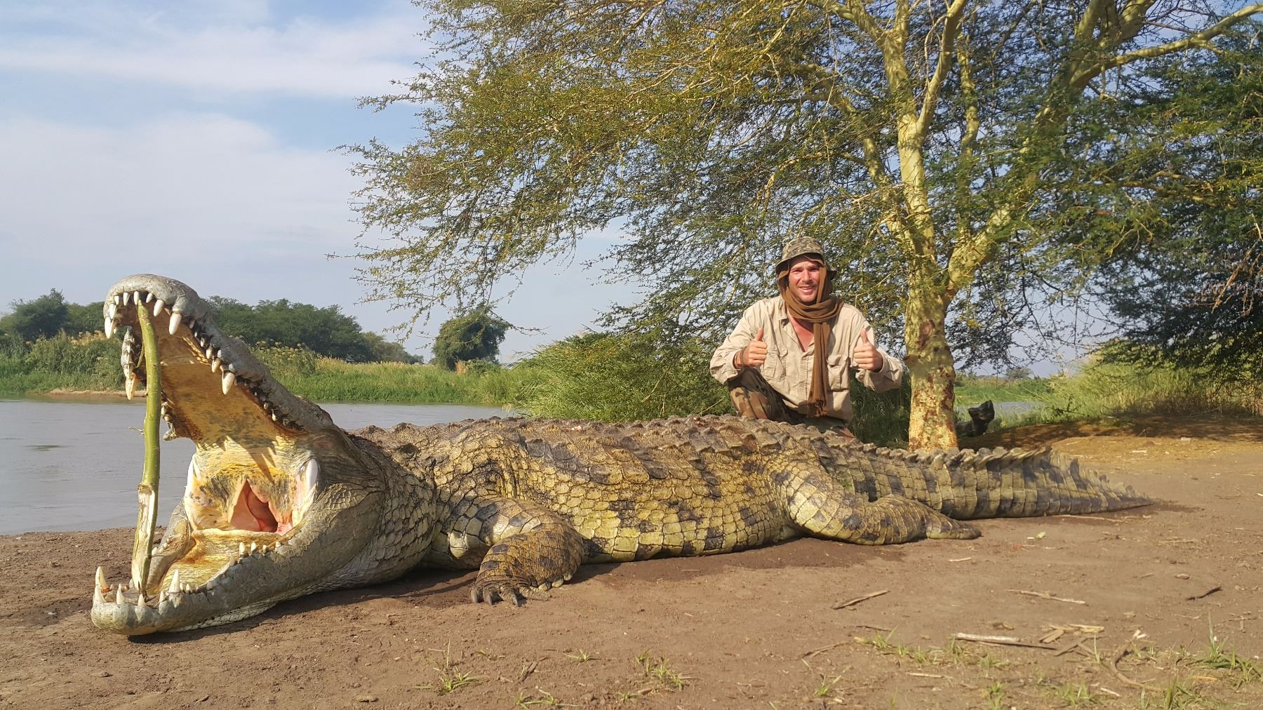 Crocodile hunt for one hunter and one observer on the ...