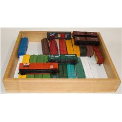 HO Rolling Stock Boxcars with wooden case