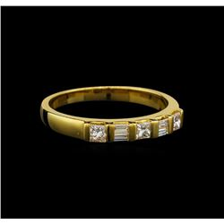 18KT Yellow Gold 0.40 ctw Diamond Ring