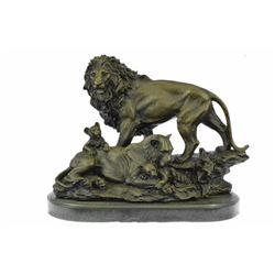 Animal edition African Lion Family Wild Life Bronze Sculpture on marble base
