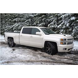 4:00 PM SATURDAY FEATURE! 2014 CHEVROLET SILVERADO CREW CAB