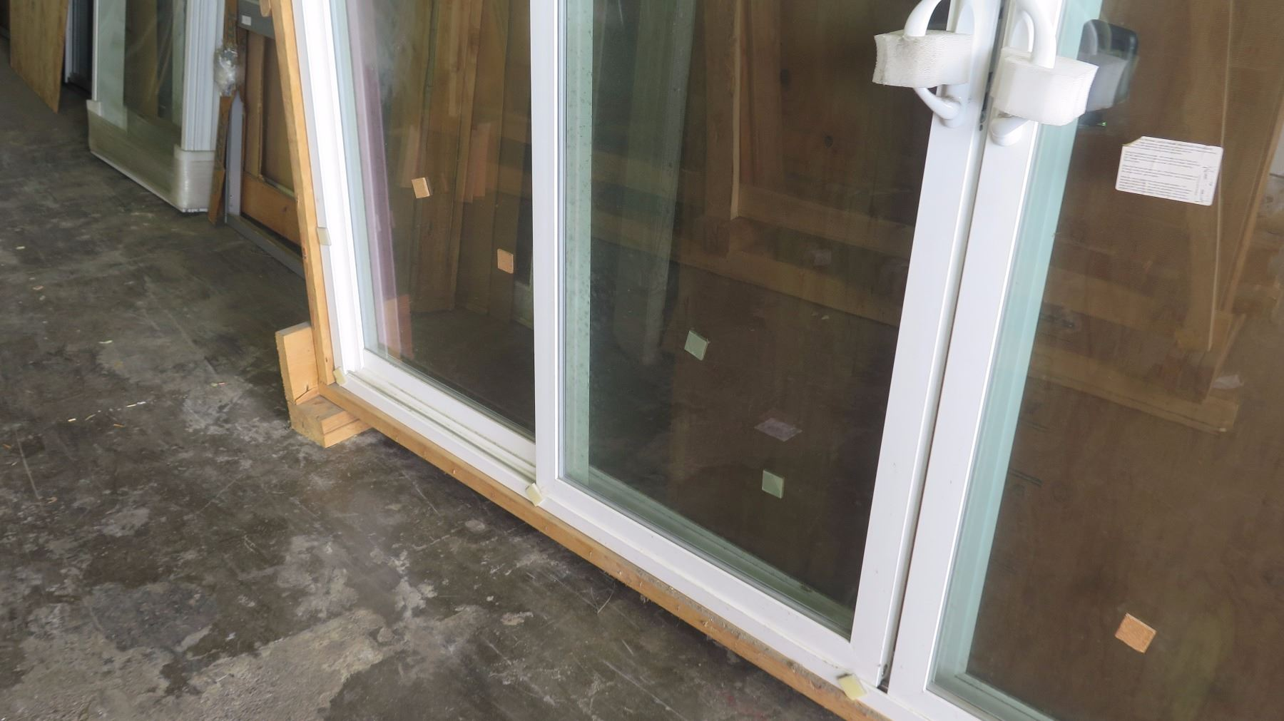 4 Panel Patio Sliding Glass Doors W Screen White Vinyl